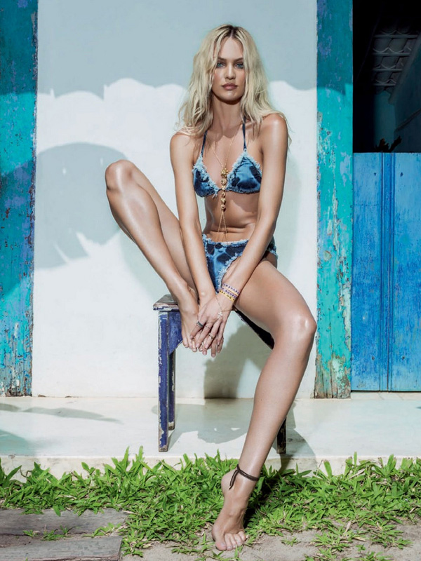 Vogue-Brazil-January-2014-Candice-Swanepoel-17