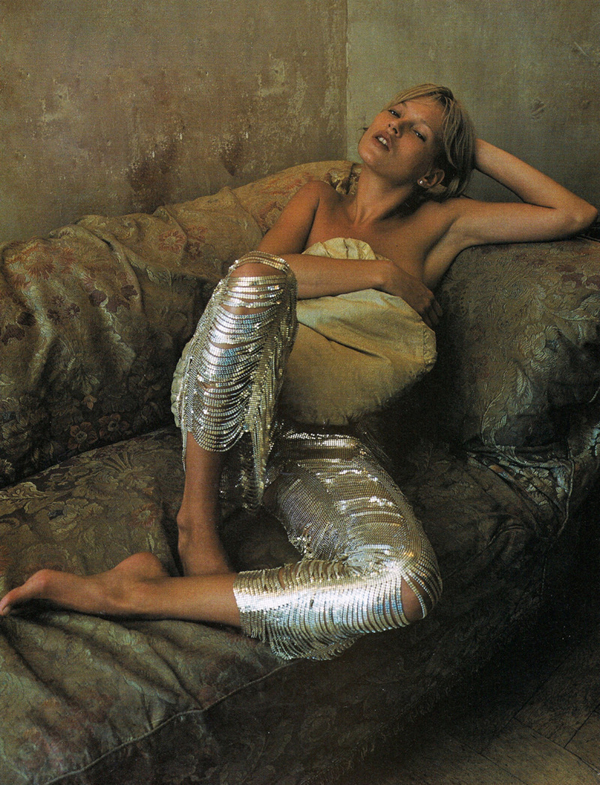 studded-hearts-moodboard-inspiration-30-Kate-Moss-photographed-by-Corinne-Day-for-Vogue-UK-December-2000