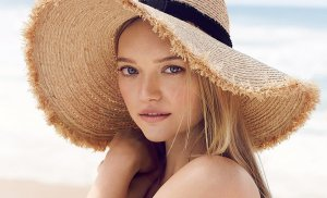 Gemma-Ward-Country-Road