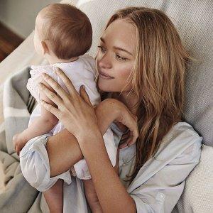 Gemma-Ward-Daughter-Naia-Country-Road-Summer-Campaign